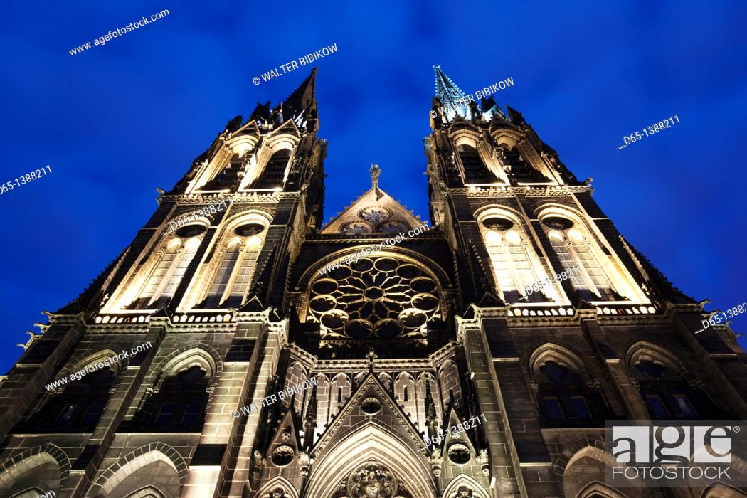 Stock Photo: France, Puy-de-Dome Department, Auvergne Region, Clermont-Ferrand, Cathedrale-Notre-Dame, exterior, evening.