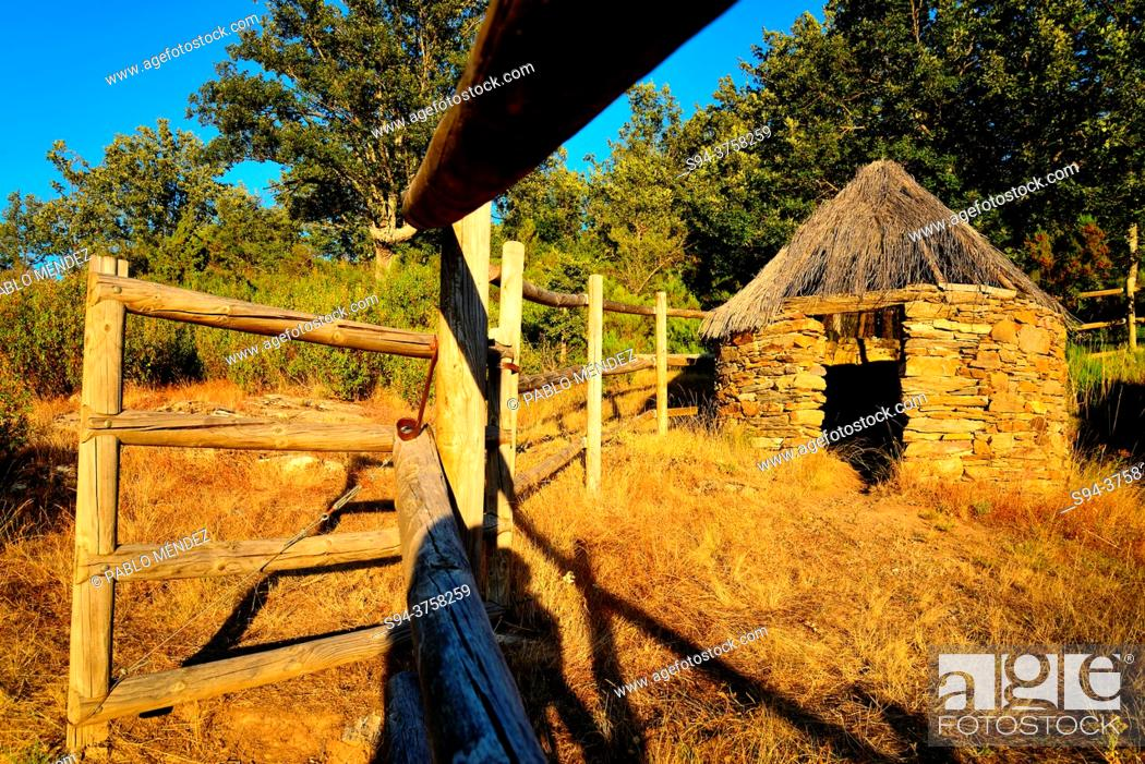 Stock Photo: Rustic shack close to La Hiruela, Madrid, Spain.