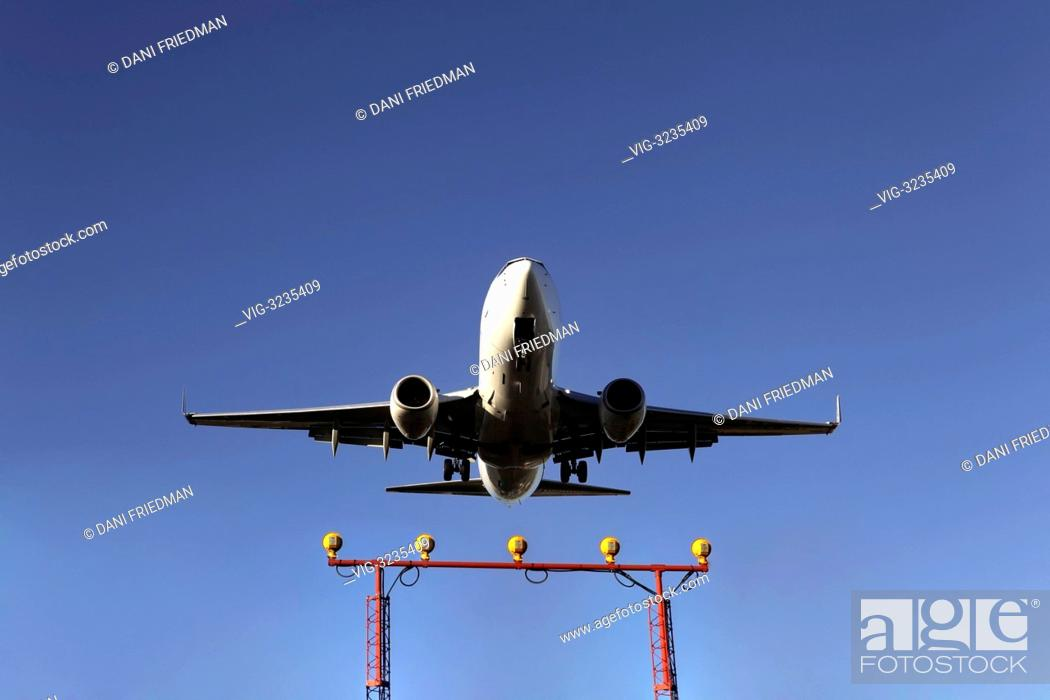 CANADA, MISSISSAUGA, 06 08 2012, Boeing 737-700 airplane clears the