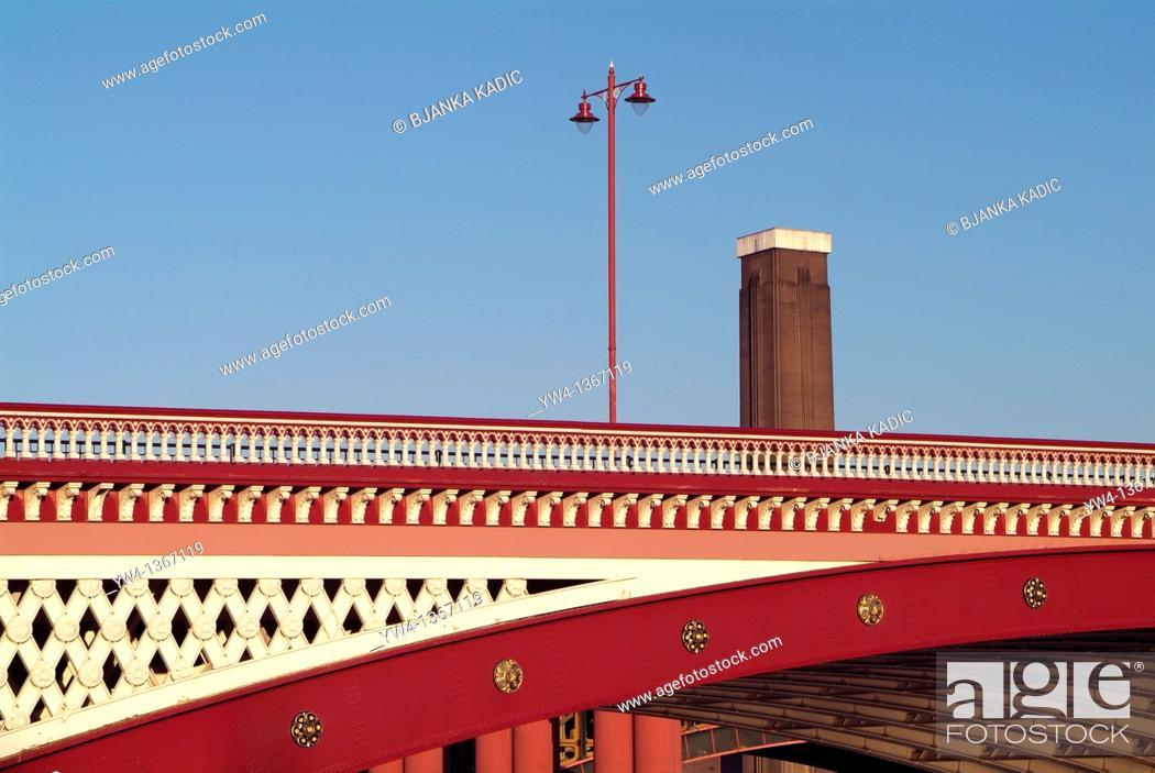 Stock Photo: Blackfriar's Bridge and Tate Modern, London, UK.