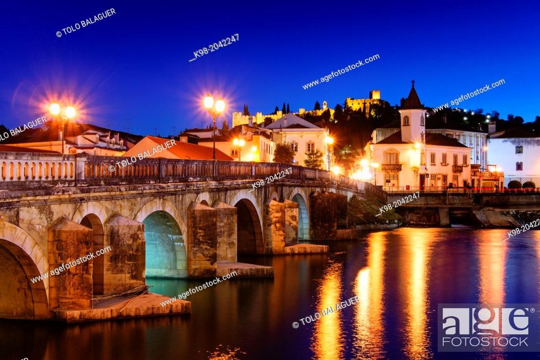 Stock Photo: Roman bridge over the river Nabao and Templar castle, Tomar, District of Santarem, Medio Tejo, region center, Portugal, Europe.