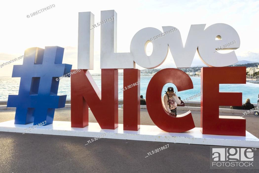 "Imagen: Nice, France, """"I Love Nice"""" Sign, Promenade des Anglais, Near Mediterranean Sea Beach."