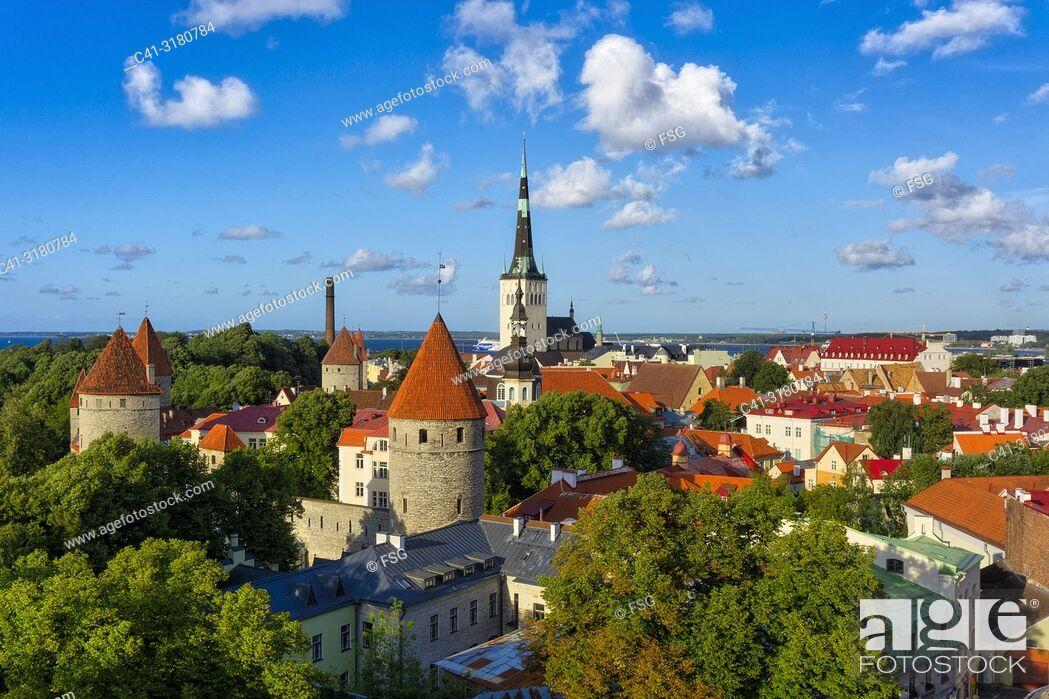 Imagen: Old town. Tallinn. Estonia.