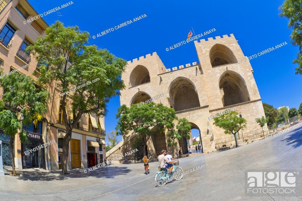 Imagen: Serranos Gate, Serranos Tower, Torre de Serranos, Valencia, Valencia Comunity, Spain, Europe.