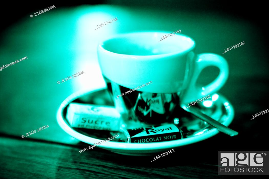 Stock Photo: Coffe and chocolat.