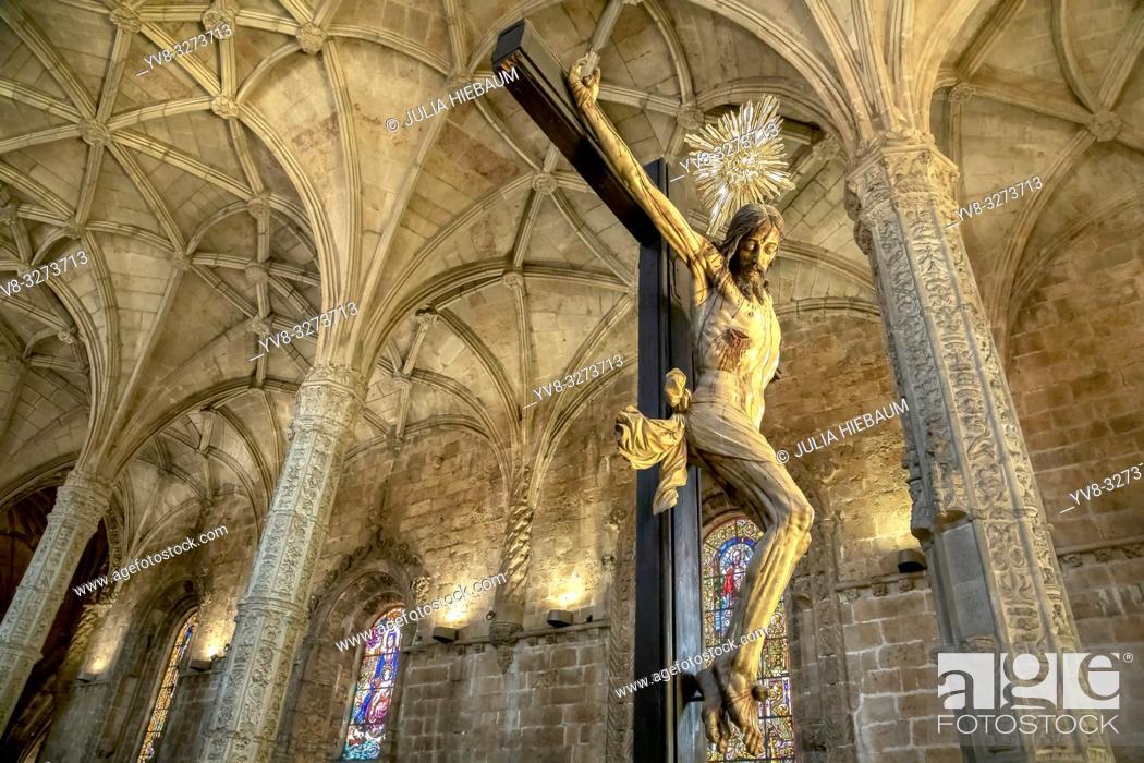 Imagen: Crucified Christ inside Santa Maria de Belem church in Lisbon, Portugal.