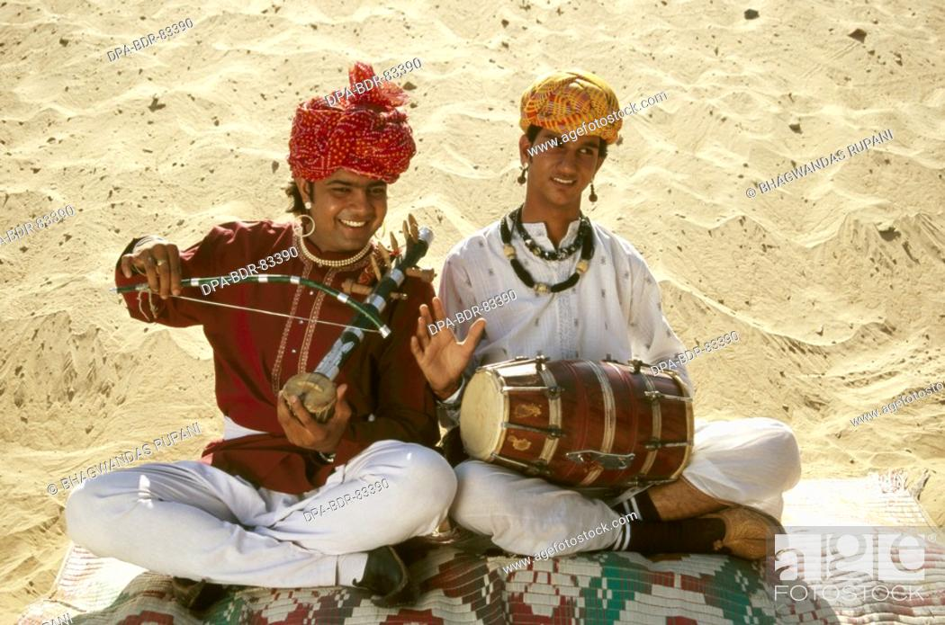 Imagen: folk musician , rajasthan , india , MR  NO  657 B.