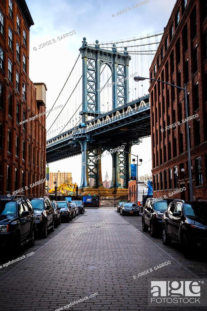 Stock Photo: Manhattan Bridge, from Dumbo, Brooklyn.