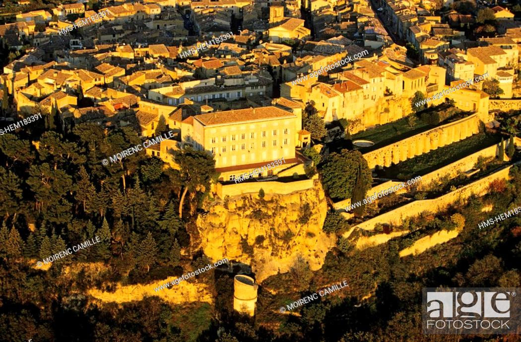 Stock Photo: France, Vaucluse, Luberon, Lauris, castle aerial view.