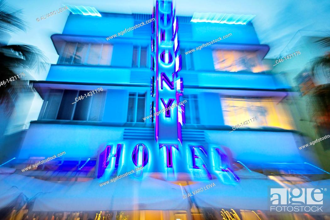 Stock Photo: Colony Hotel, Ocean Drive, South Beach, Art deco district, Miami beach, Florida, USA.