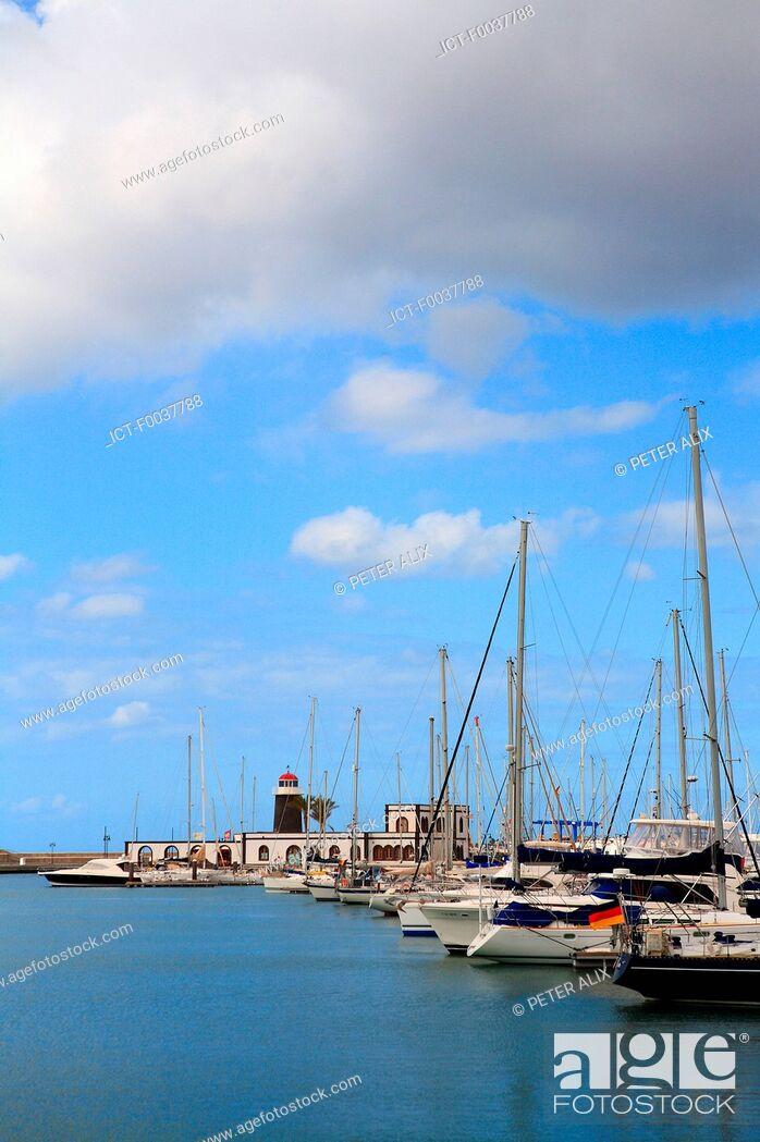 Stock Photo: Spain, Canary islands, Lanzarote, Playa blanca, the marina.