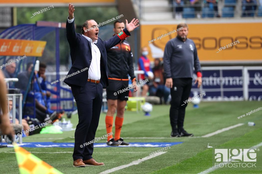 Stock Photo: Cercle's head coach Yves Vanderhaeghe reacts during a soccer match between KAA Gent and Cercle Brugge KSV, Sunday 26 September 2021 in Gent.