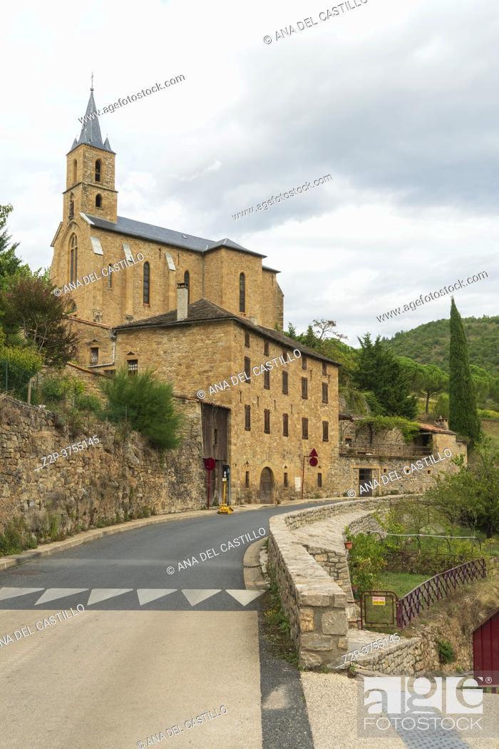 Imagen: Peyre, old village near Millau Aveyron, Midi-Pyrenees, France on September 23, 2020.