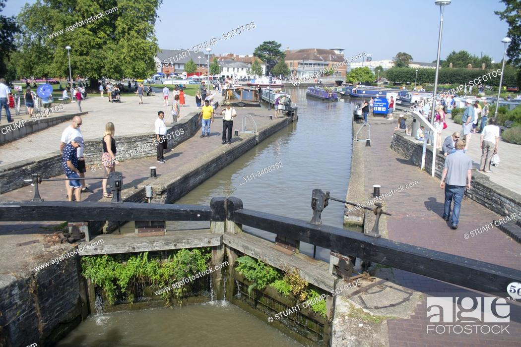Stock Photo: Lock on the River Avon at Stratford-Upon-Avon UK.