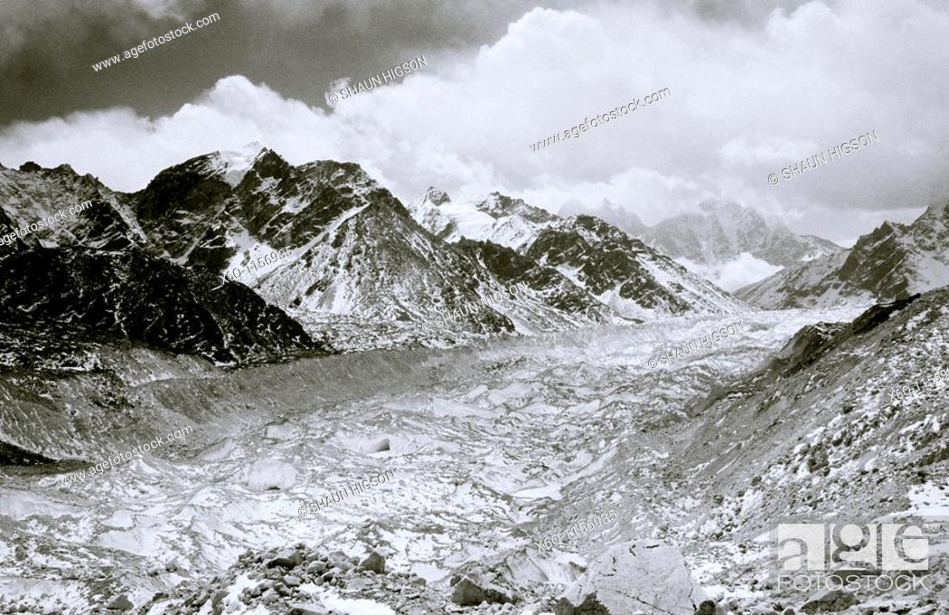Stock Photo: Khumbu Glacier, Himalaya, Nepal.