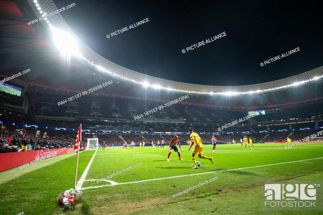 Stock Photo: 06 November 2018, Spain, Madrid: Soccer: Champions League, Atlético Madrid - Borussia Dortmund, group stage, group A, 4th matchday in the stadium Wanda.