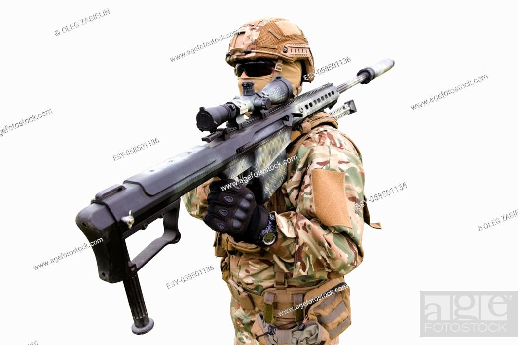 Imagen: Equipped and armed special forces soldier with sniper rifle isolated on white background.