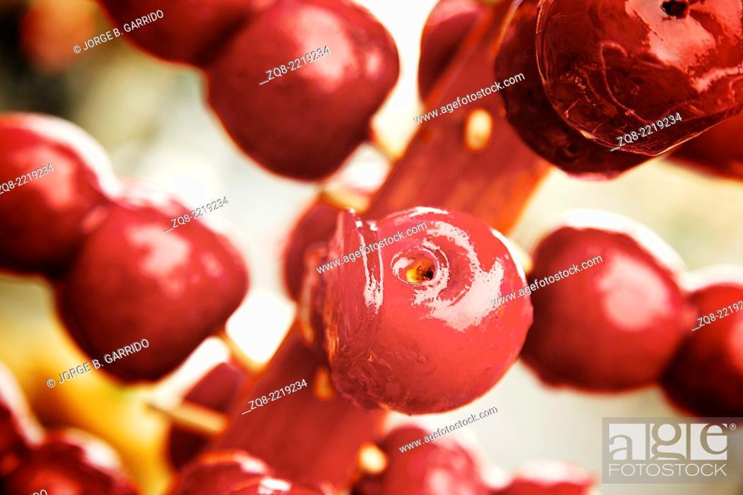Stock Photo: Red apple crisp with caramel sauce.