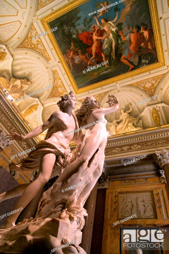 APOLLO AND DAPHNE HALL, BAROQUE SCULPTURE BY GIAN LORENZO