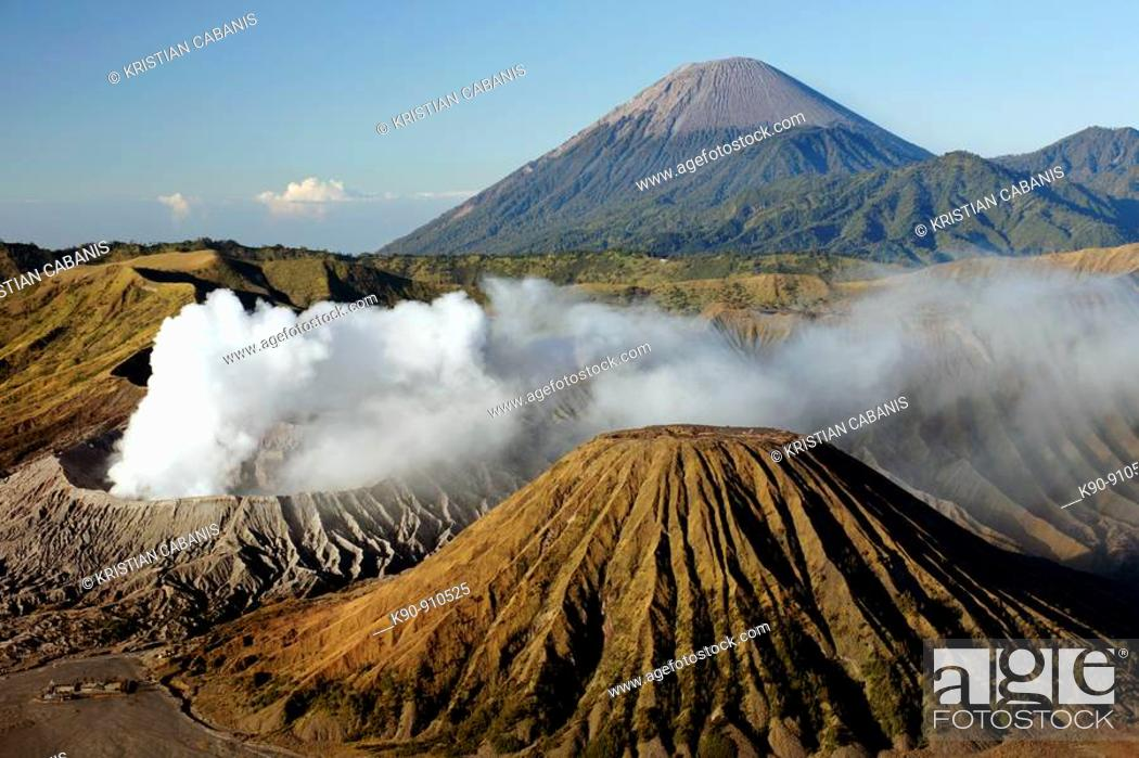 Stock Photo: Mount Bromo vulcano at sunrise, Bromo Tengger Semeru National Park, Java, Indonesia, Southeast Asia.