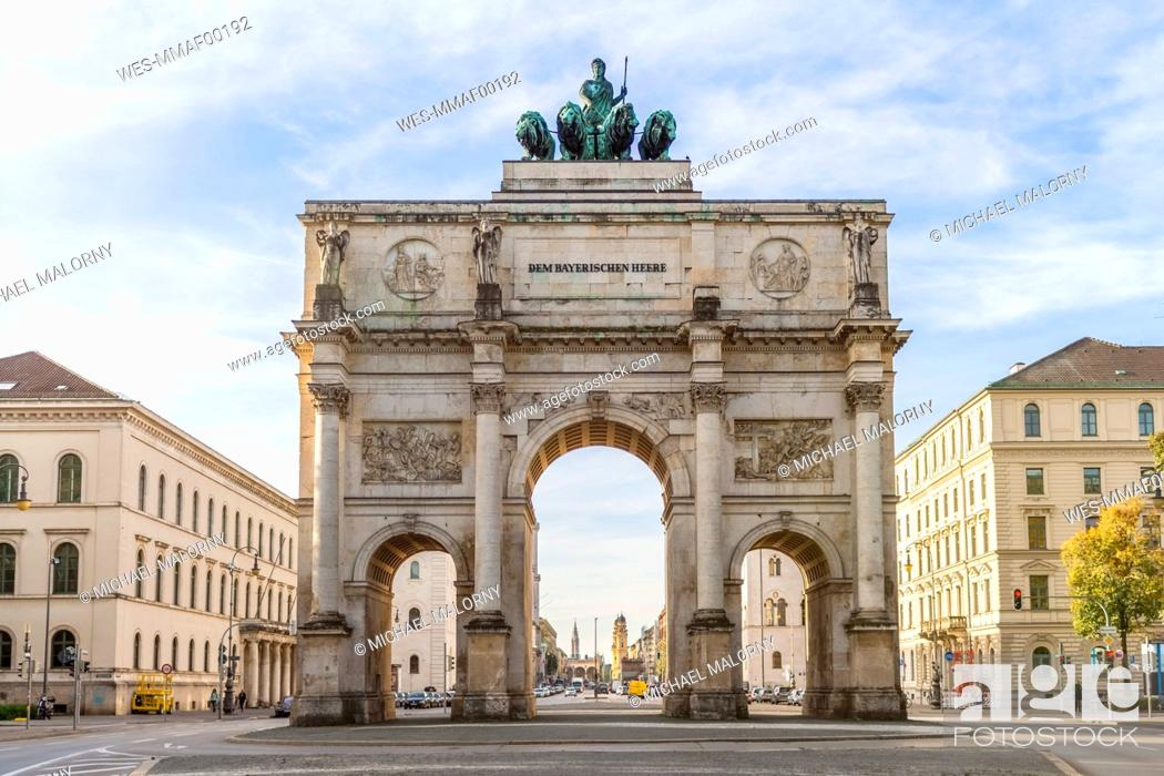 Stock Photo: Germany, Bavaria, Munich, North facade of Victory Gate, view to Ludwigstraße.