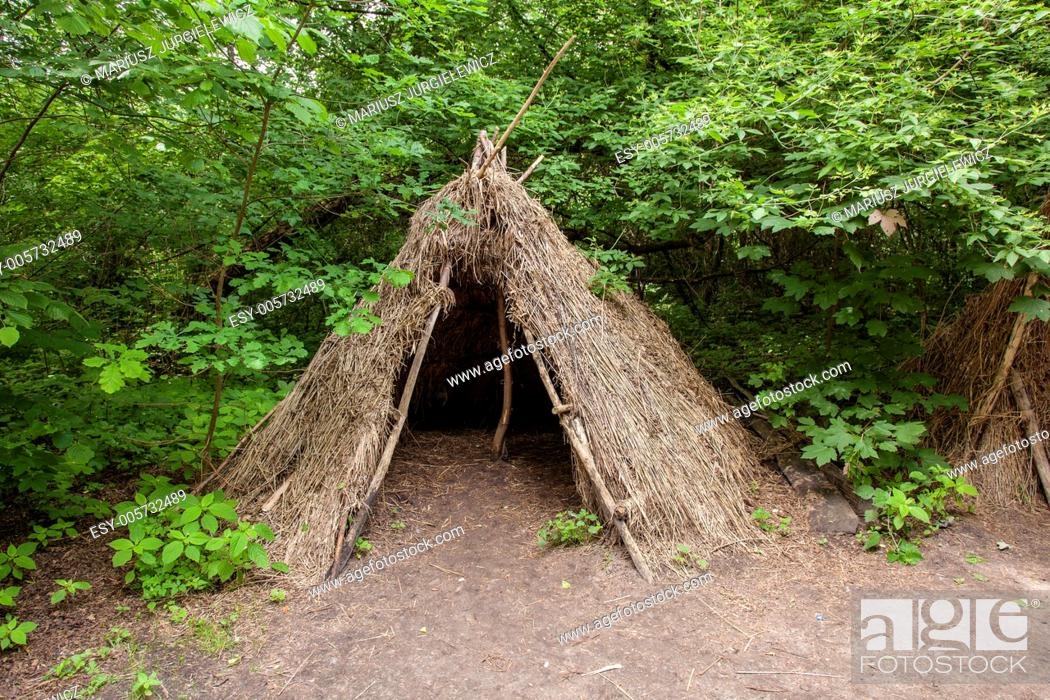 Photo de stock: Stone age hunters gatherers encampment in Biskupin archaeological site.