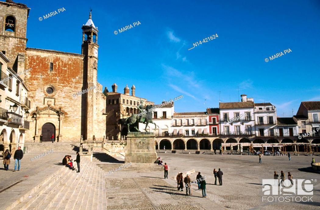 Stock Photo: Main Square, Trujillo. Cáceres province, Spain.
