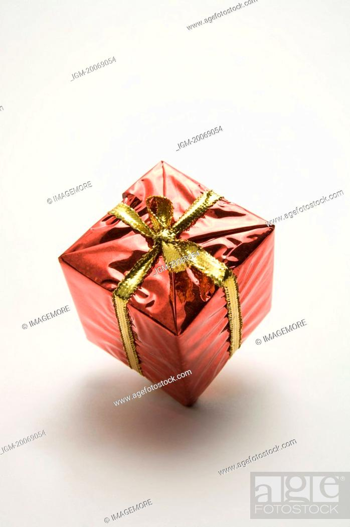 Stock Photo: One single gift packed.