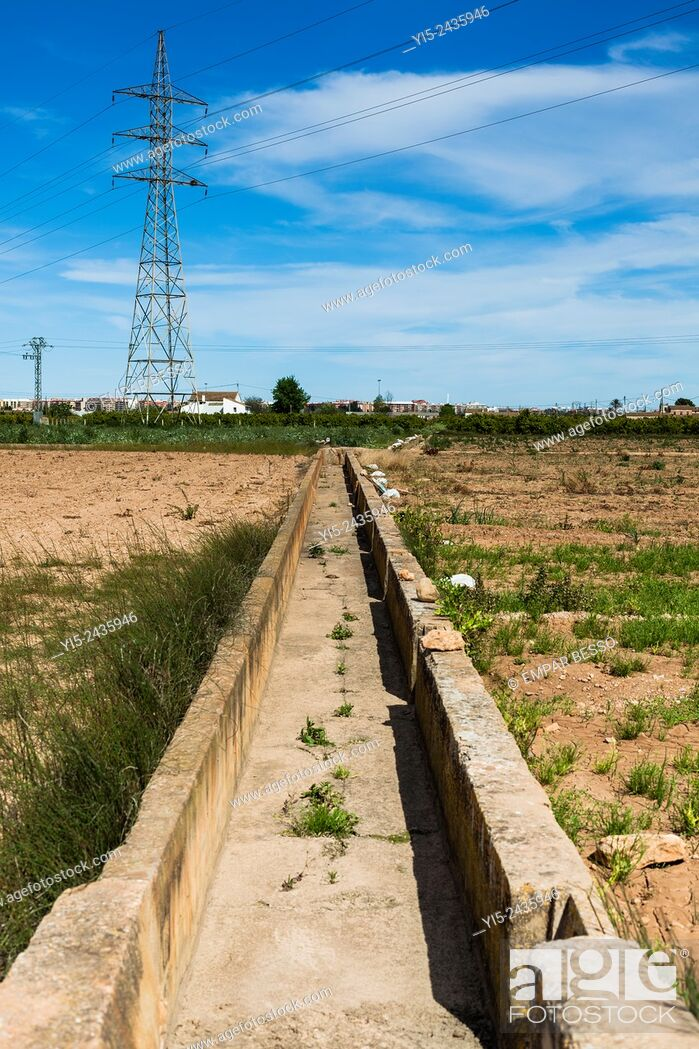 Stock Photo: Irrigation ditch. Valencia. Spain.
