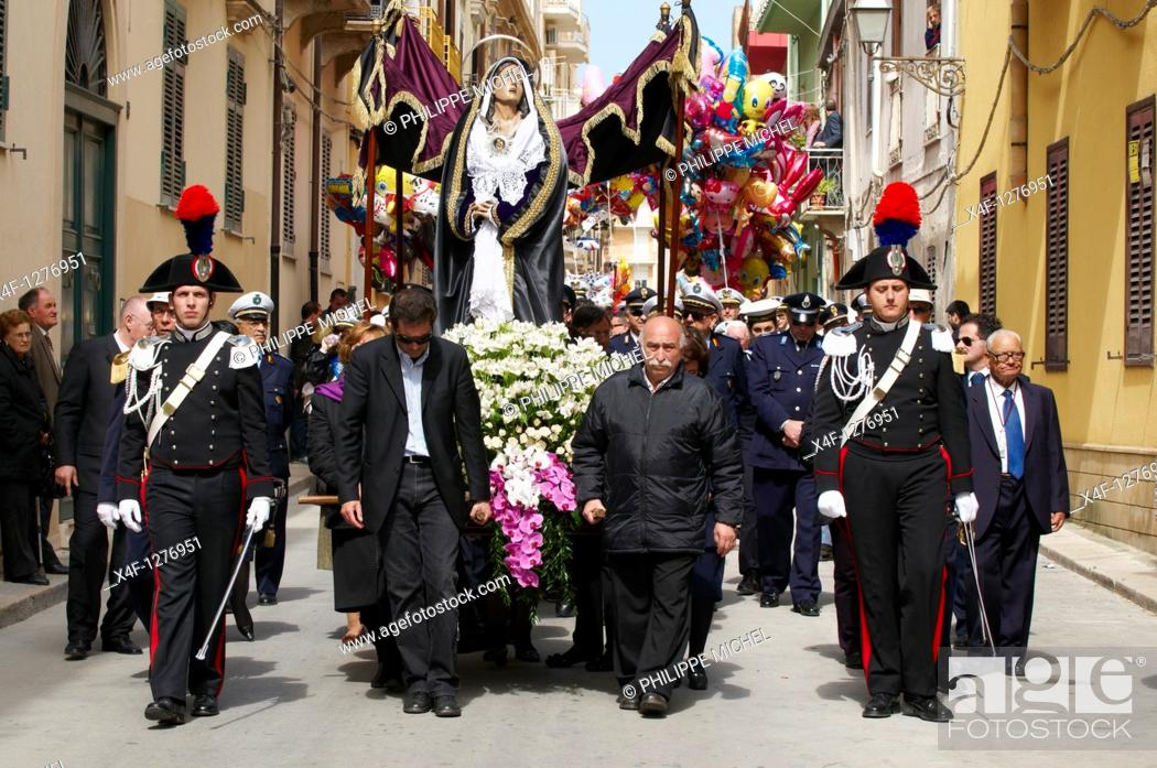 Stock Photo: Italy, Sicily, Marsala, Holy Thursday, procession of Mistery Processione dei Misteri viventi.