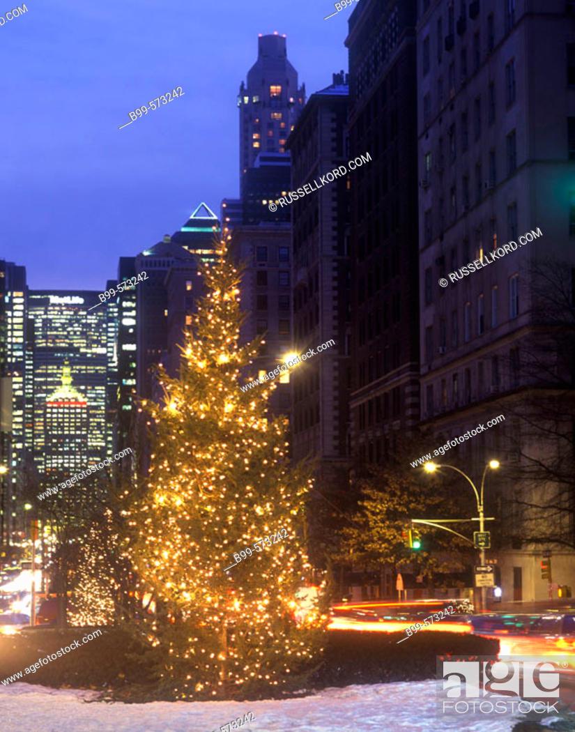 Stock Photo: Christmas Tree, Park Avenue, Midtown, Manhattan, New York, USA.