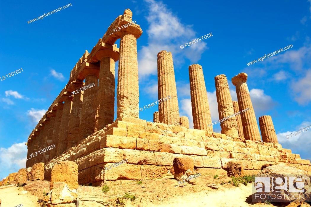 Stock Photo: Greek Temple of Juno Lacina, Agrigento, sicily.