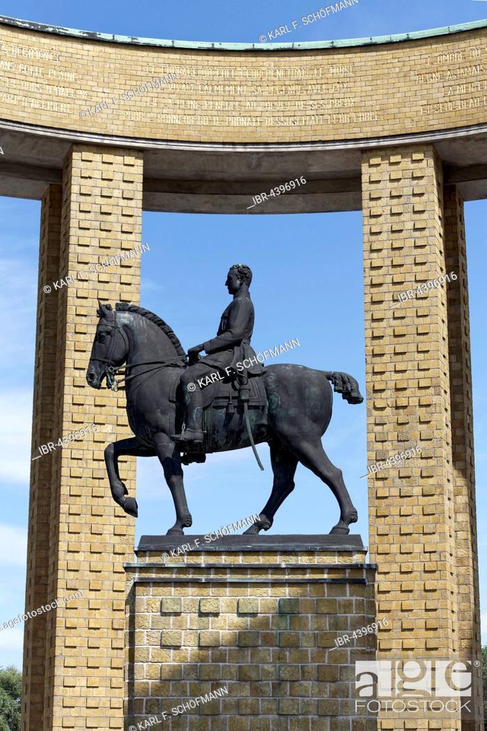 Photo de stock: King Albert I Monument, Nieuwpoort, West Flanders, Flanders, Belgium.
