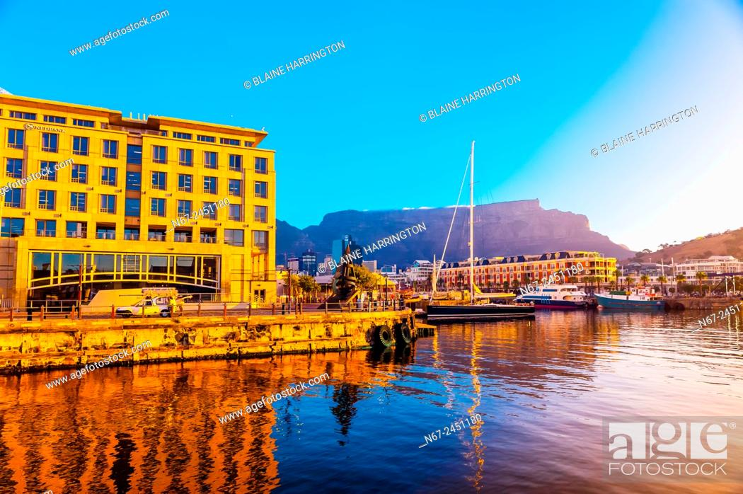VA Waterfront With Cape Grace Hotel And Table Mountain Behind Cape - Table mountain hotel cape town
