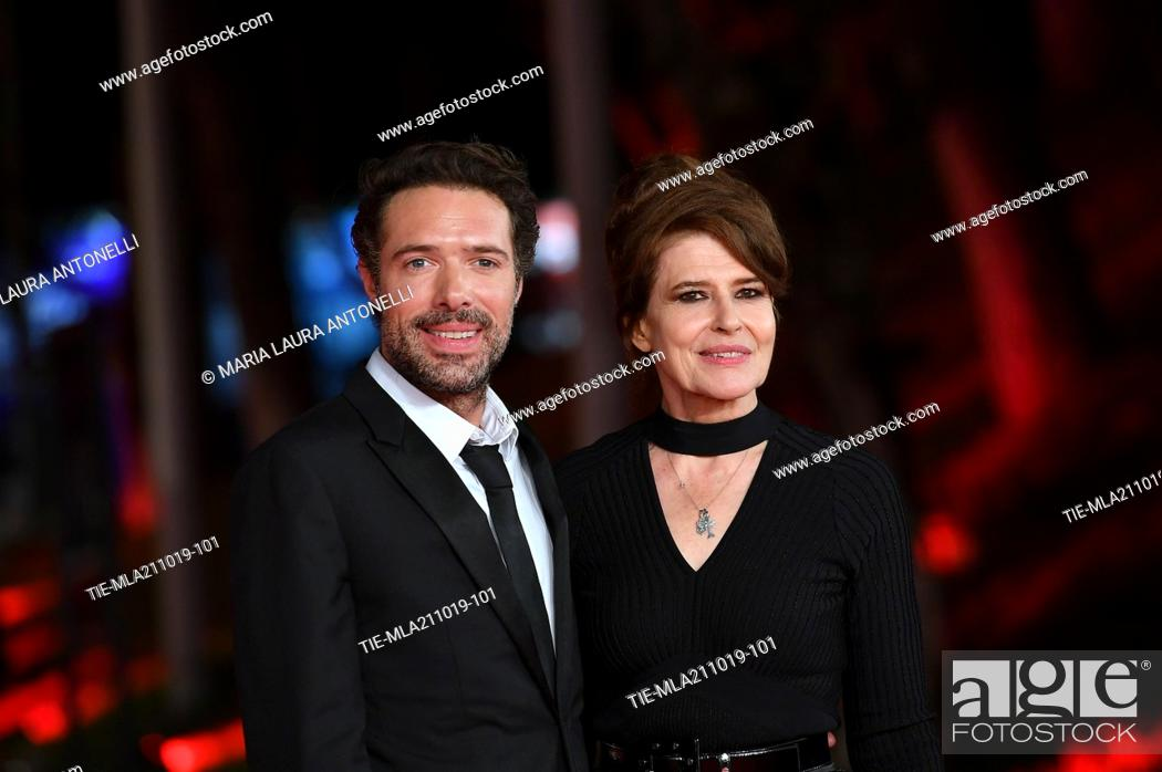 Imagen: The director Nicolas Bedos and Fanny Ardant poses for the screening of 'La Belle Epoque' at the 14th annual Rome Film Festival, in Rome,ITALY-20-10-2019.