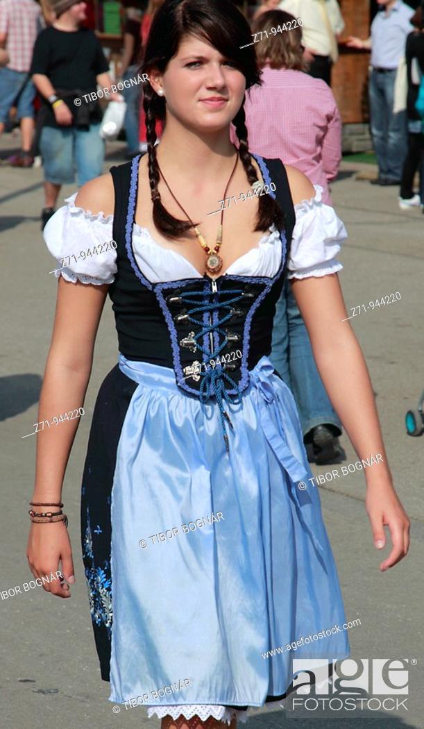 Stock Photo: Germany, Bavaria, Munich, Oktoberfest, people in traditional dress.