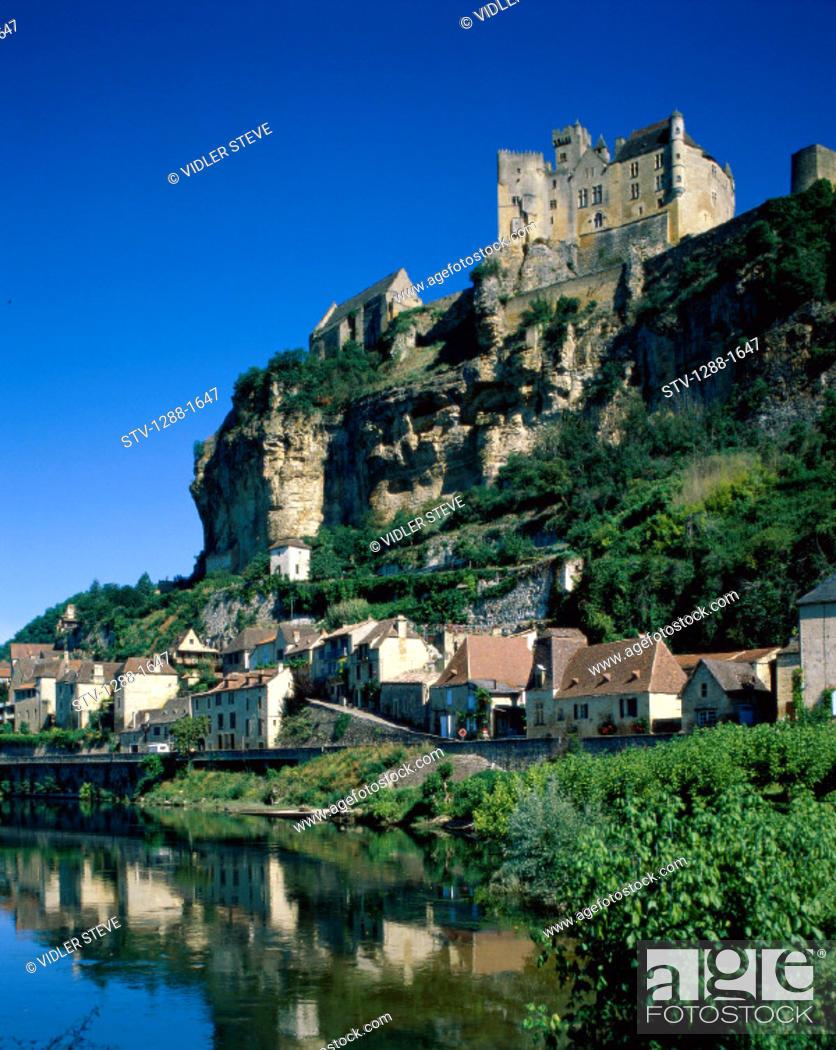 Stock Photo: Beynac, Castle, Chateau, Dordogne, France, Europe, Holiday, Home, Lake, Landmark, Residential, Tourism, Travel, Vacation,.