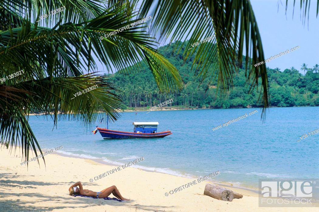 Stock Photo: Thailand, Ko Samui island, Mae Nam beach.