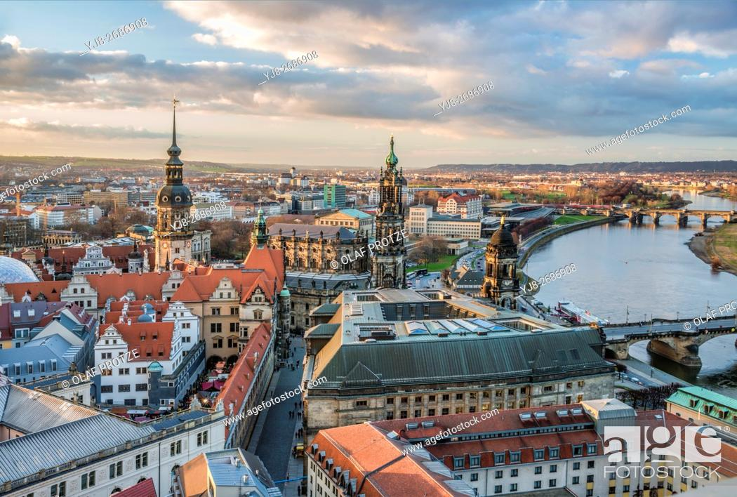 Stock Photo: View over the old town and Dresden skyline at dawn, Saxony, Germany.