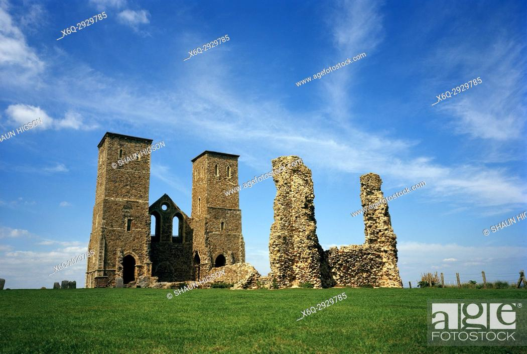 Imagen: Reculver Roman Fort and towers of Saint Mary's Church in Kent in England in Great Britain in the United Kingdom UK Europe.
