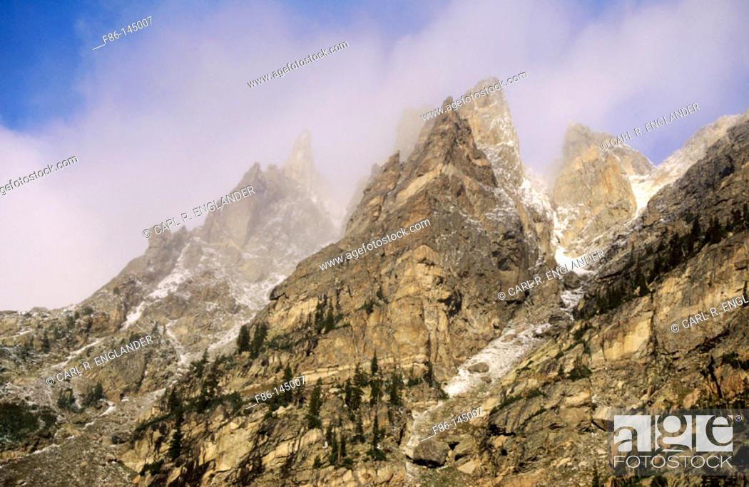 Stock Photo: Mountains. Rocky Mountain National Park. Colorado. USA.