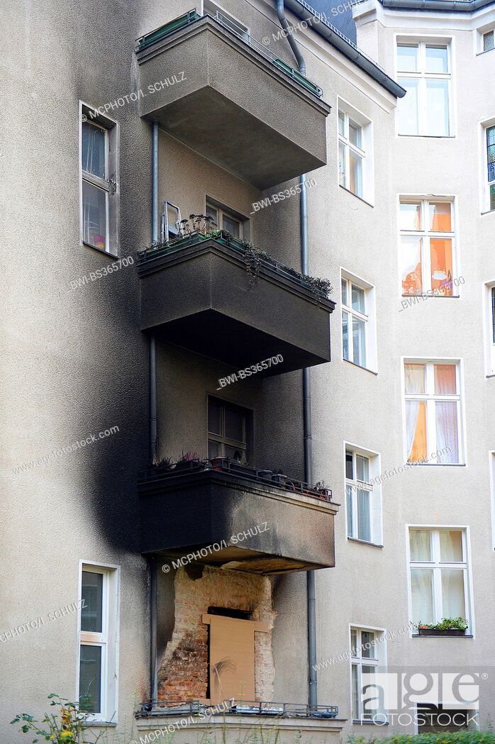 Imagen: burned flat in silvester in Berlin , Germany.