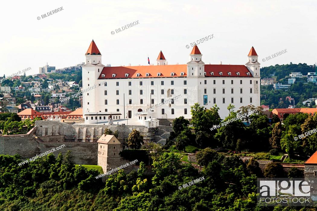 Imagen: Bratislava in the Slovak Republic of the European Union.Castle Hill and Castle.