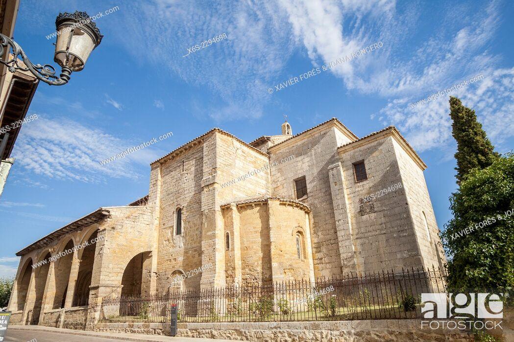 Imagen: Church of Santa Maria del Camino in Carrion de los Condes, Way of St. James, Palencia, Spain.