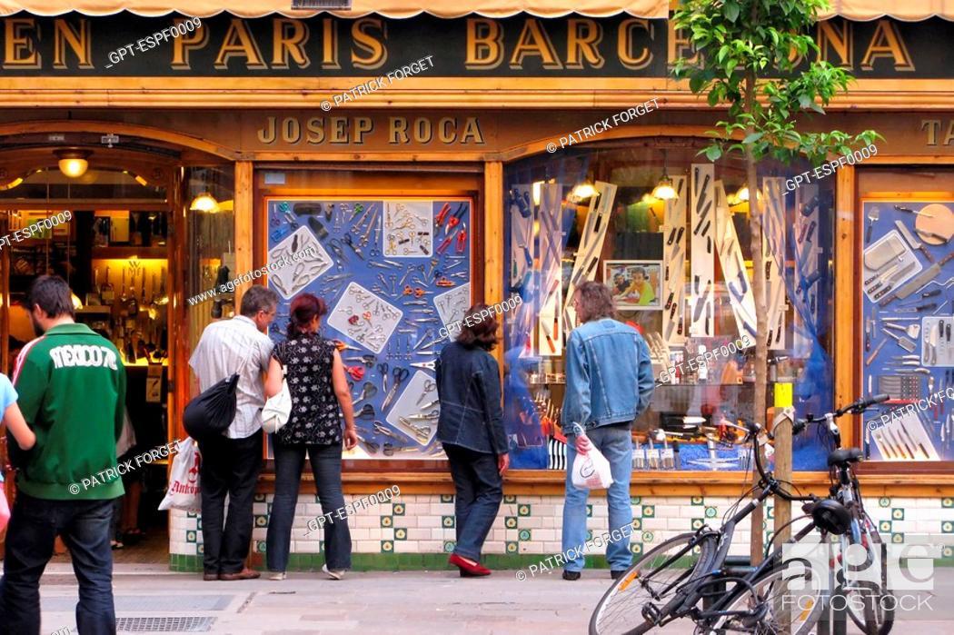 Stock Photo: KNIFE STORE, CUTLERY SHOP 'JOSEF ROCA', LA RIBERA, BARCELONA, SPAIN.
