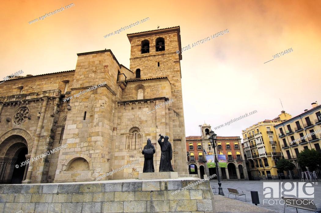 Stock Photo: San Juan de Puerta Nueva church and Town Hall in background, Zamora, Castilla-Leon, Spain.