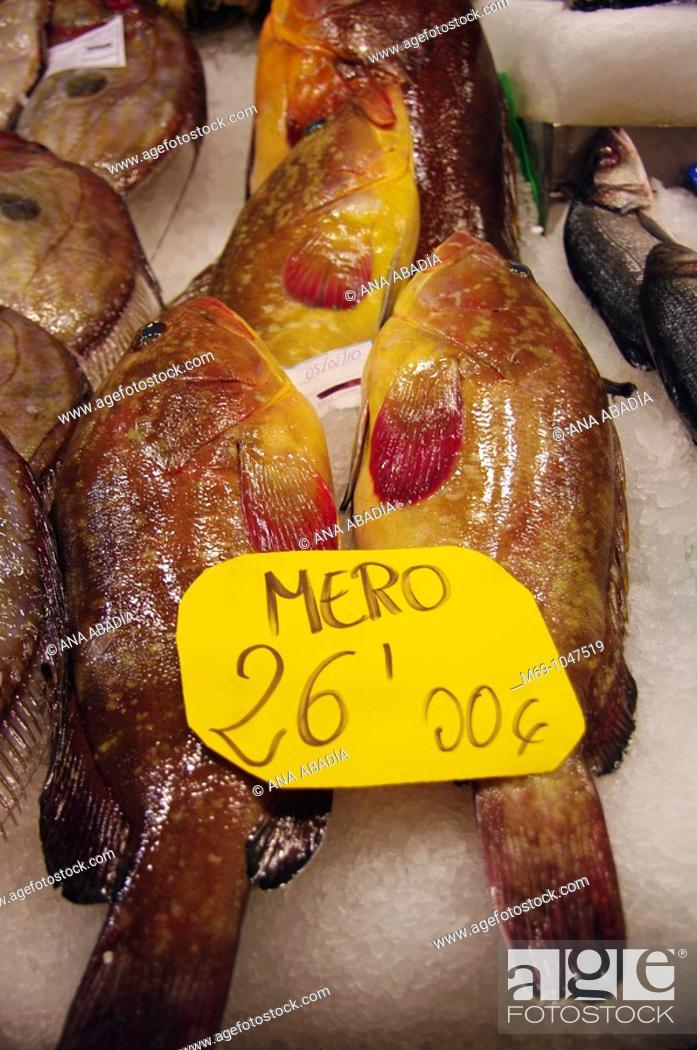 Stock Photo: Venta de meros en el mercado de L'olivar de Palma de Mallorca.