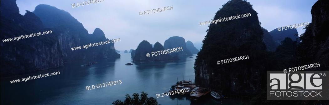 Stock Photo: halong bay, panorama, vietnam, indochina, scene, panoramic view.