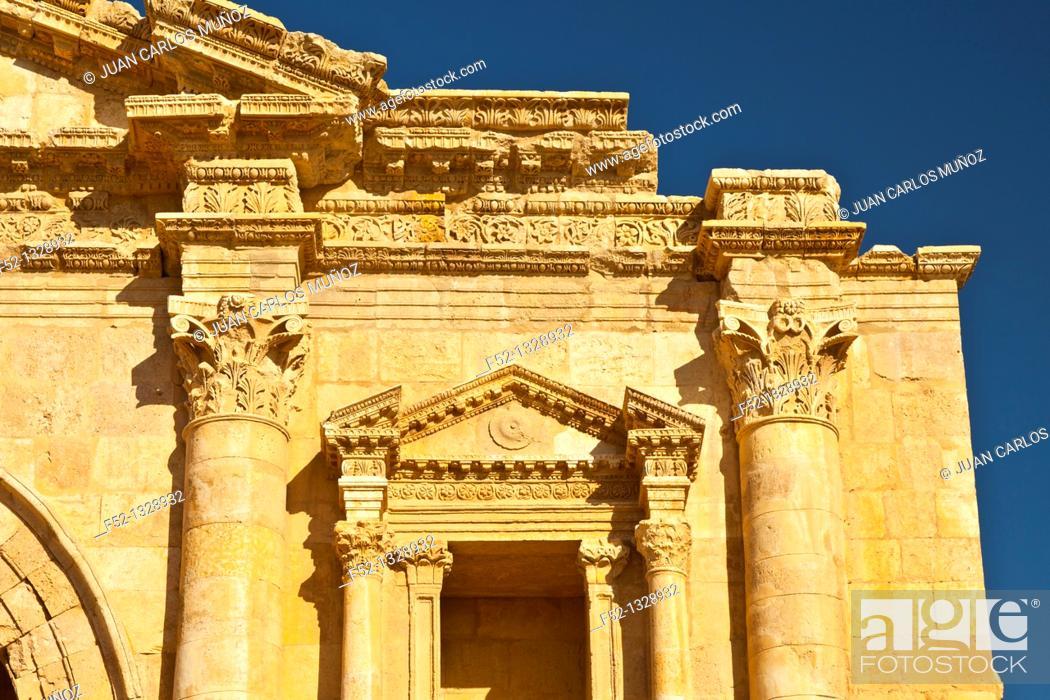 Stock Photo: Gate of Adriano, Greco-Roman City of Jerash, Jordan, Middle East.