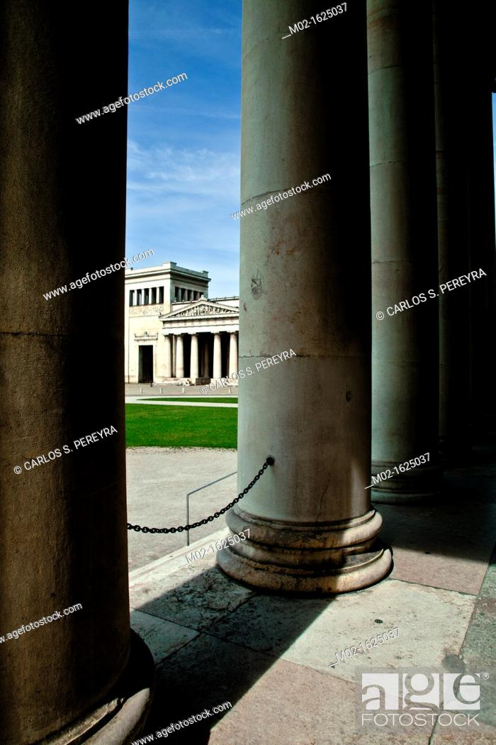 Stock Photo: The Propylaea, a classical gateway to the Royal Palace, Maxvorstadt, Munich, Upper Bavaria, Bavaria, Germany, Europe.